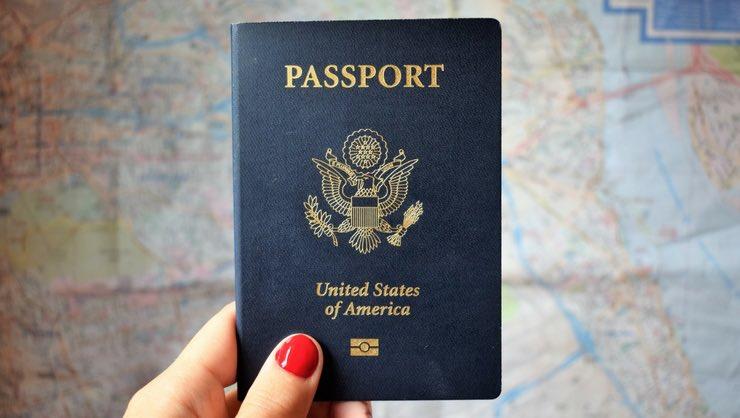 اجازه خروج از کشور و اخذ گذرنامه